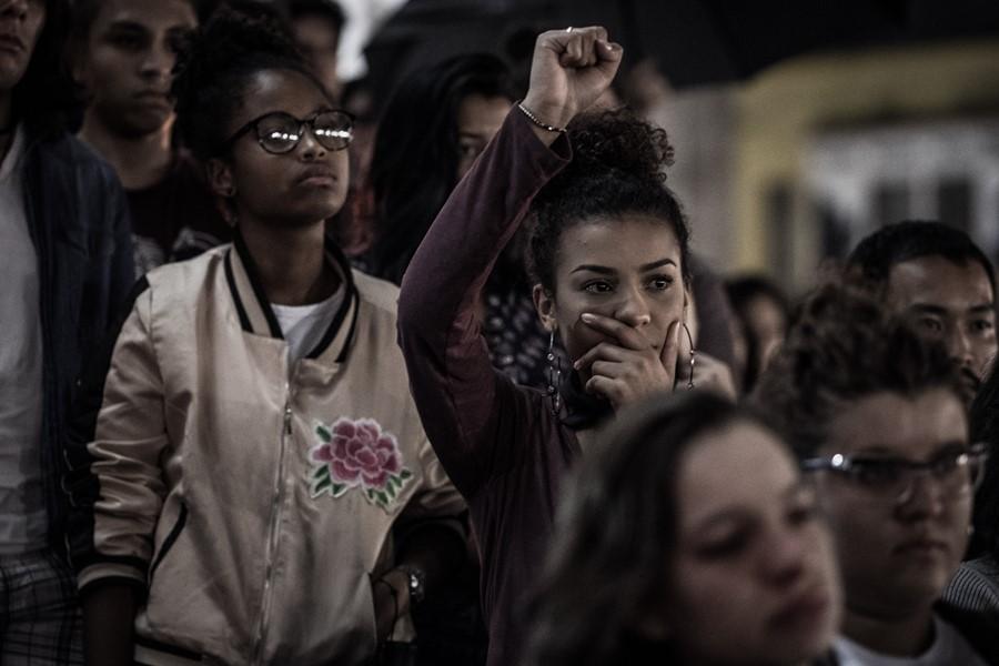 Vigília Em Homenagem à Vereadora Do Rio De Janeiro, Marielle Franco E Ao Motorista Anderson Gomes, Nesta Na Noite Desta Quinta-feira (15), Em Curitiba. Ato Reuniu 2,5 Mil Pessoas Na Praça Santos Andrade, No Centro Da Capital. Foto: Gibran Mendes