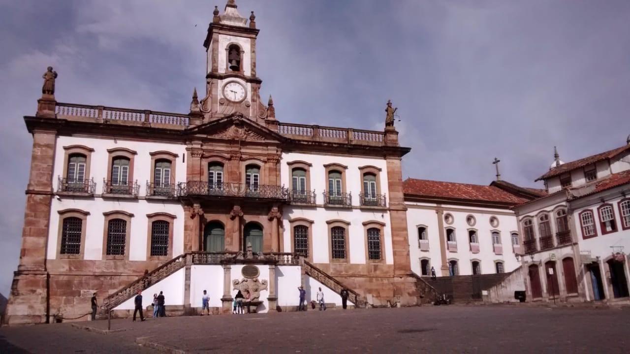 Vagner De Andrade – Estudando O Barroco Mineiro Nas Paisagens De Ouro Preto – Imagem De Destaque