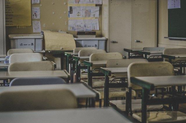 Cleide Maciel – Escola E Violência– Estranha Dupla!