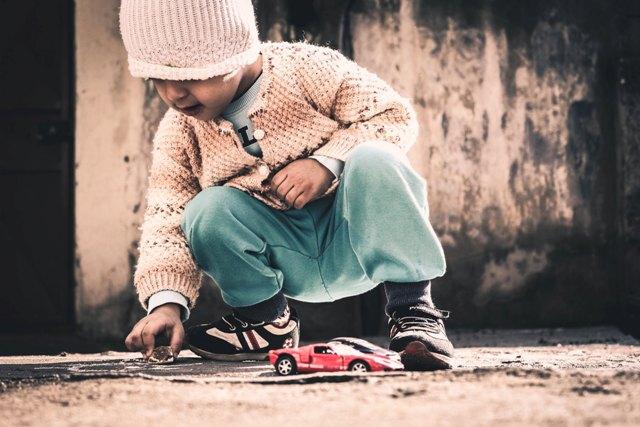 Editorial 240 – Criança Brincando