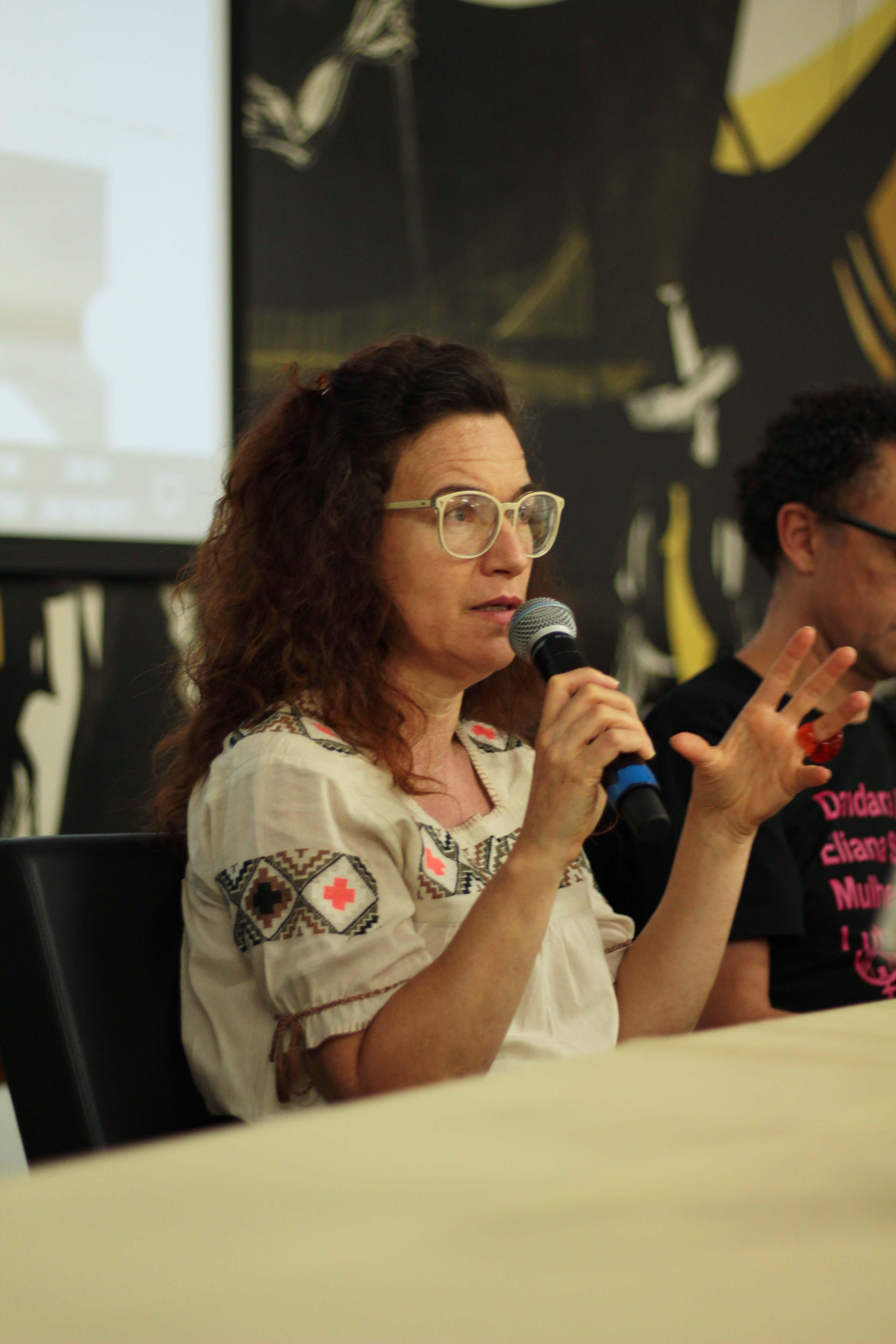 Professora Bya Braga Se Colocou Na Defesa De Um Campo De Produção E Transmissão De Saber. Foto: Gustavo Mazzetti