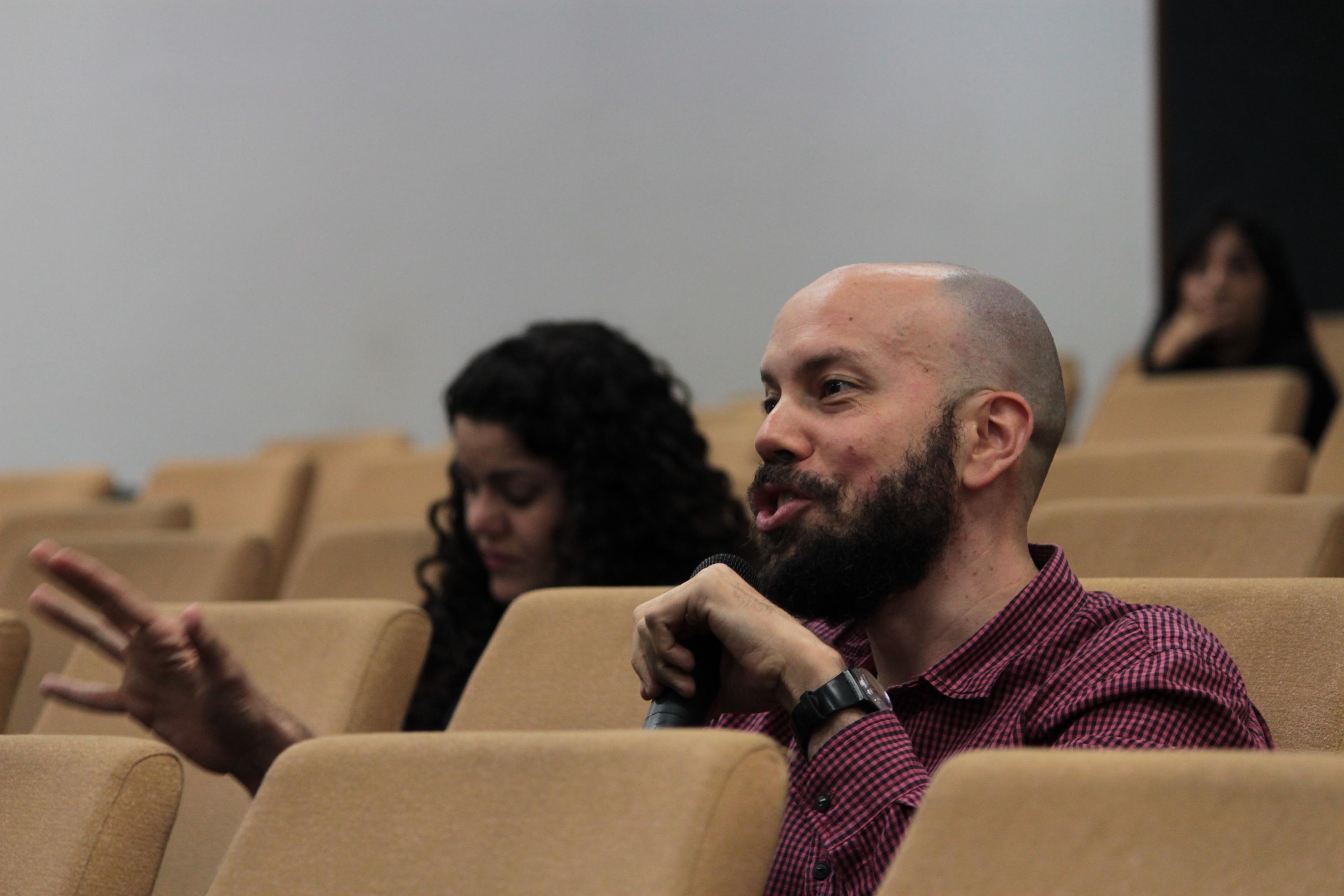 Maurício Guilherme – Publico