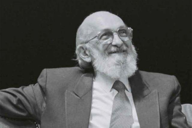 Estudos Sobre Paulo Freire