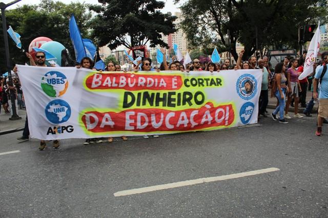 A Luta Dos Trabalhadores Na Educação