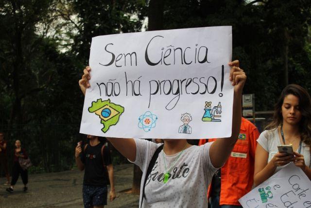 O Cenário Da Ciência, Tecnologia E Inovação No Brasil