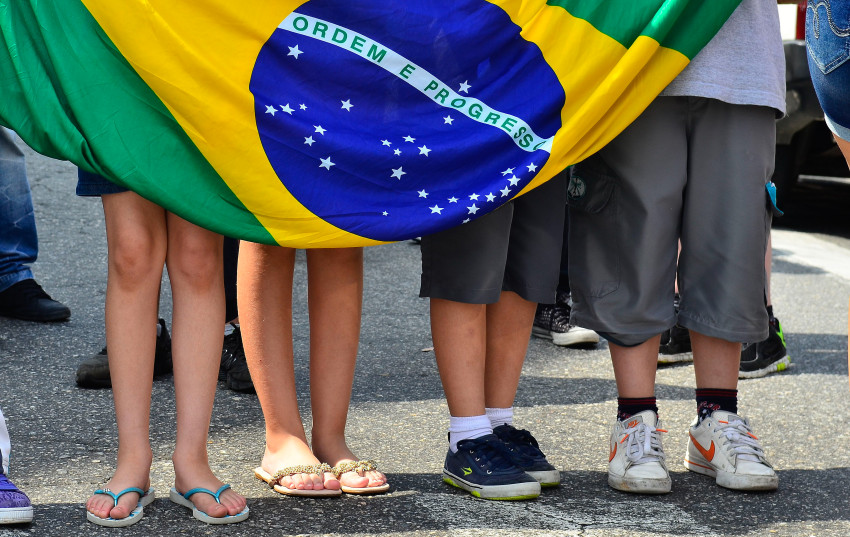 São Paulo - Estudantes Da Escola Estadual Diadema Faz Protesto Contra A Reorganização Escolar Que Será Implantada Em Janeiro De 2016 Pela Secretaria De Educação (Rovena Rosa/Agência Brasil)