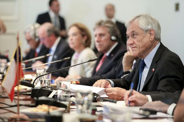 Reunião Presidencial Ampliada No Chile, Com A Participação Das Delegações Brasileiras E Chilenas.