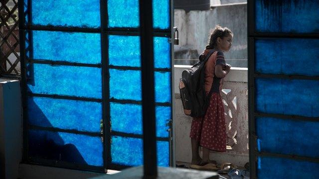 """Alexandra Silva – Um Relato Sobre As """"oportunidades"""" Do Trabalho Infantil – Menina Com Mochila"""