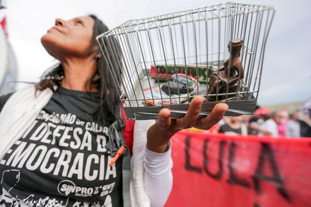 Brasília - Manifestantes A Favor De Lula Protestam Na Esplanada Dos Ministérios. O STF Julga O Pedido Do Ex-presidente Para Não Ser Preso Até Se Esgotarem Os Recursos Na Justiça (Fabio Rodrigues Pozzebom/Agência Brasil)