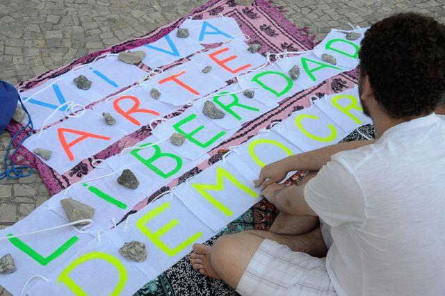 12/10/2017- Rio De Janeiro - Ato Arte Pela Liberdade, #CencuraNuncaMais Pede Liberdade Cultural E Democracia Em Evento Direcionado Para As Crianças Na Praça Mauá, Zona Portuária Da Capital Fluminense  Foto: Tomaz Silva/Agência Brasil