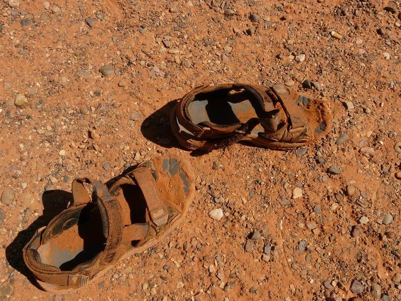 Mauro Passos – Amazônia – Fronteira De Identidades – Sandálias