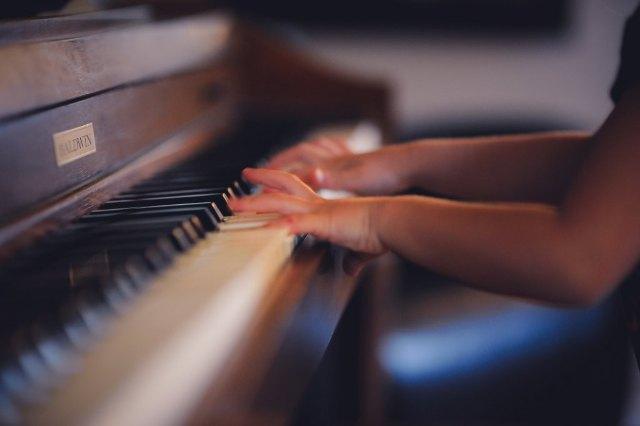Piano De Cauda