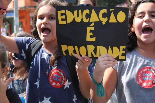 Educação Em Vertigem, Um Brasil Mutilado