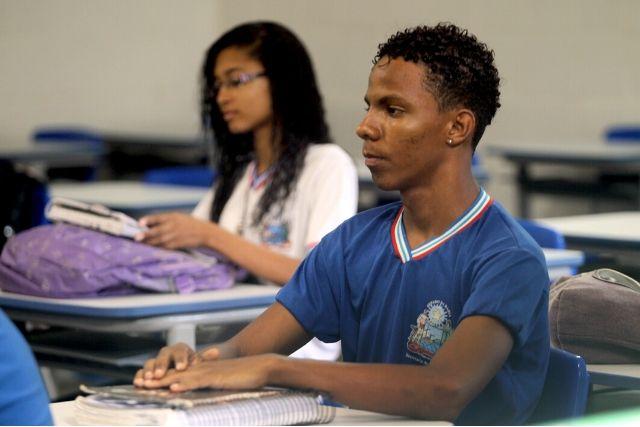Estudante Negro Em Sala – Camila Souza GOVBA