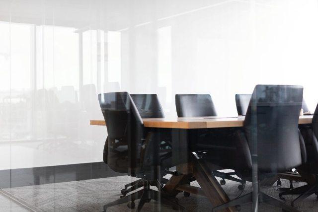 Sala De Reuniões Vazia – Drew Beamer Unsplash