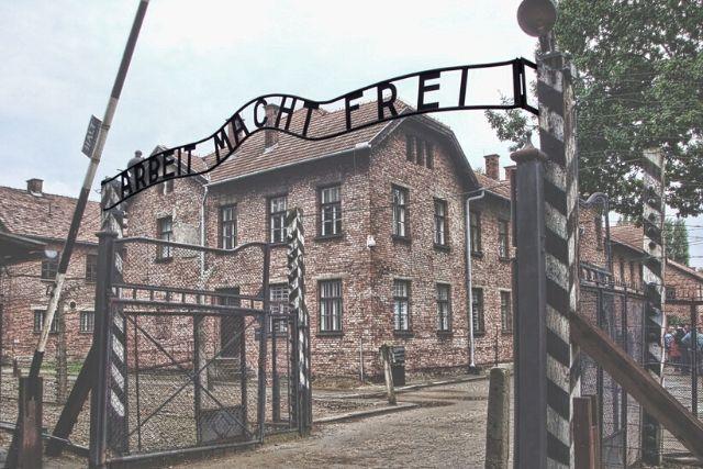 Entrada Do Campo De Concentração De Auschwitz – Tsaiproject
