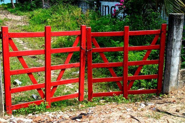 Porteira Vermelha – Cícero R. C. Omena