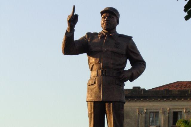 Estátua De Samora Machel.