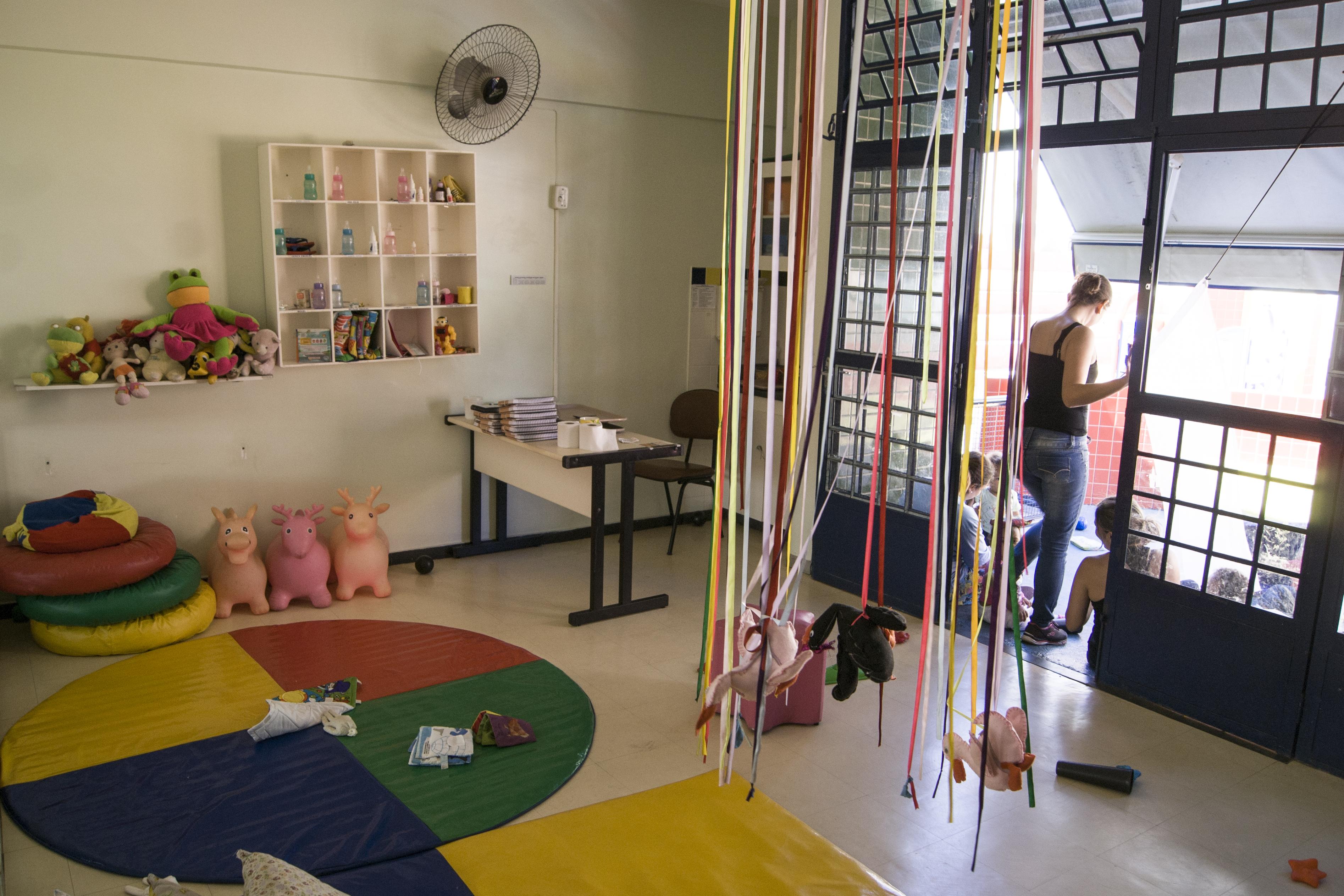 Formação Continuada De Professoras Da Educação Infantil: Proposta Metodológica De Formação Colaborativa Compartilhada Em Instituições De Educação Infantil