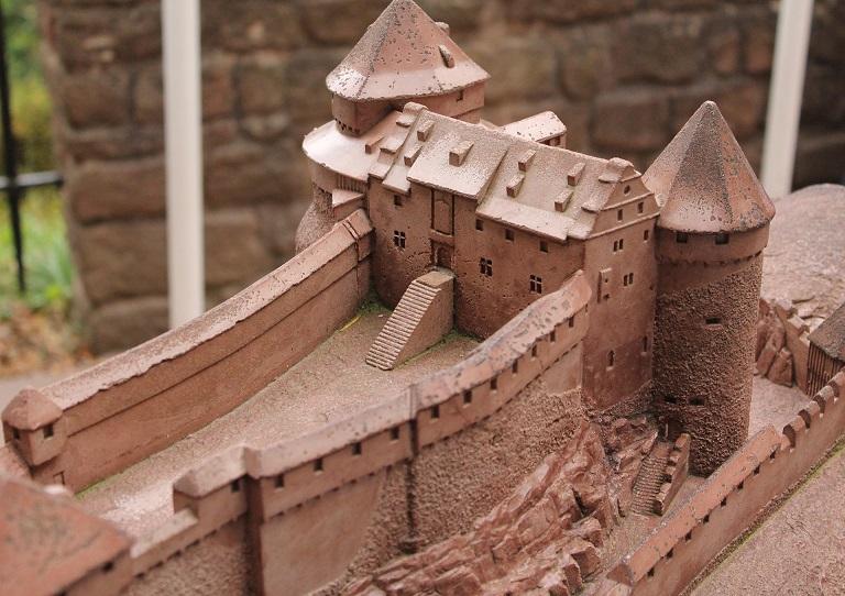 Castelo De Barro Destaque Objetos Tridimensionais N 5