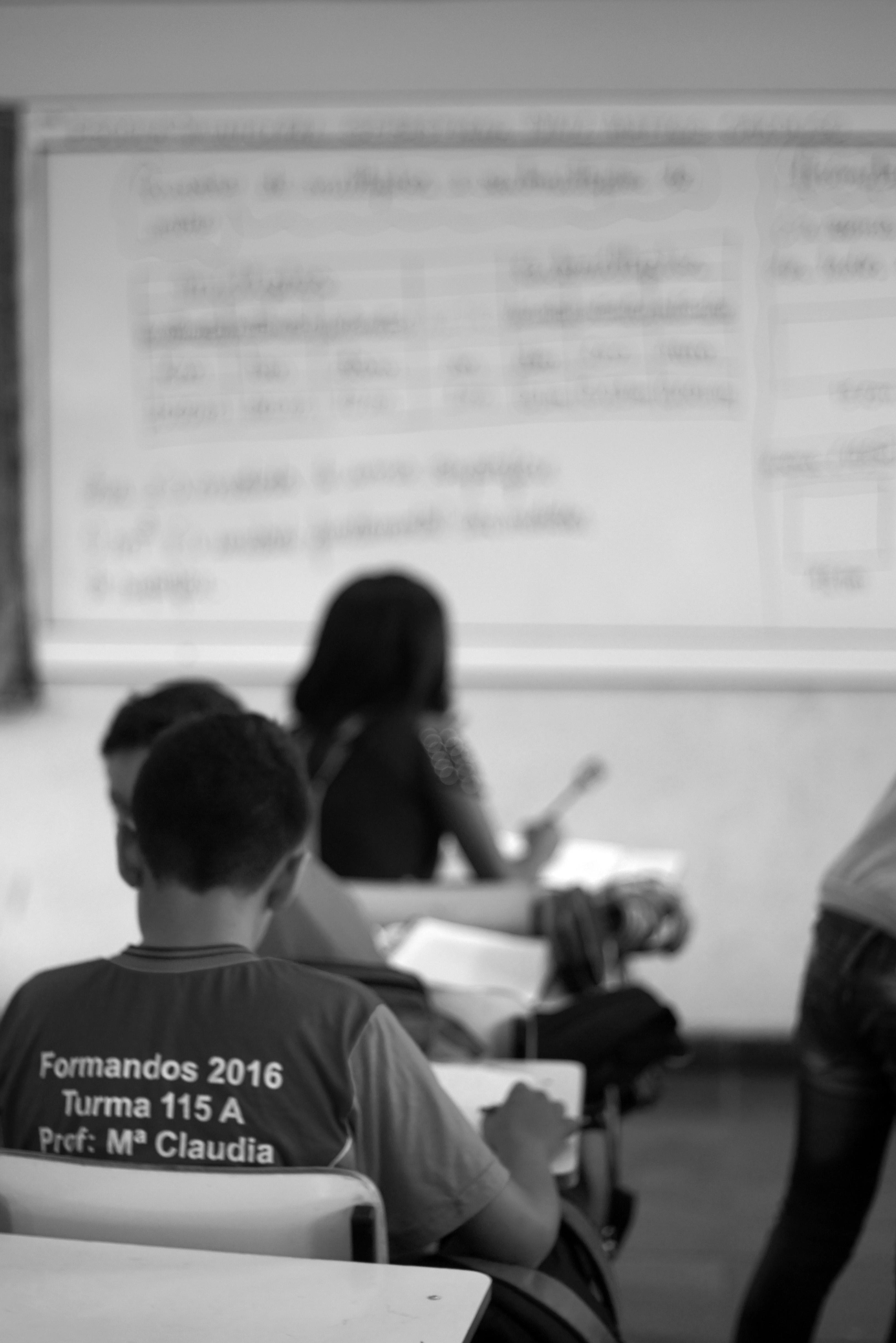 Sobre A Escolarização Sem Aprendizagem, O Aprofundamento Da Desigualdade Social E Os Assuntos Proibidos