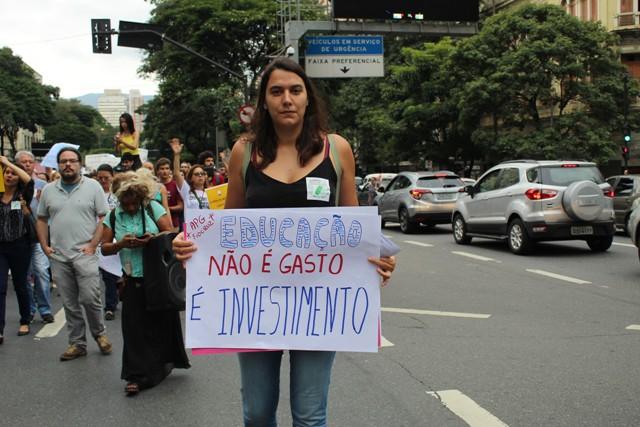 A Luta Em Defesa Da Educação Pública Em Minas