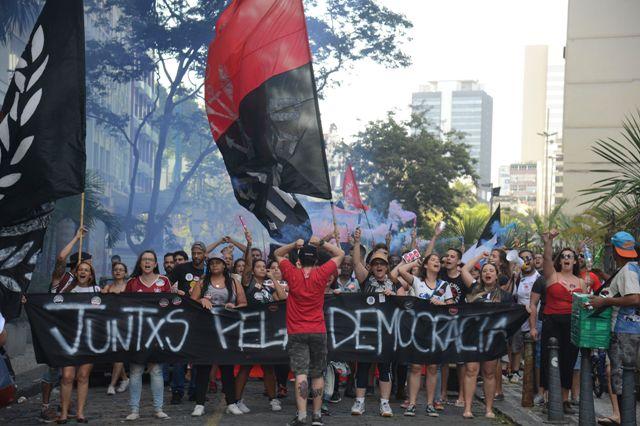 """Ato """"Contra O Retrocesso Em Defesa Da Democracia"""", Na Cinelândia, Região Central Do Rio De Janeiro, Reúne Milhares De Pessoas.Foto Tânia Rêgo/Agência Brasil"""